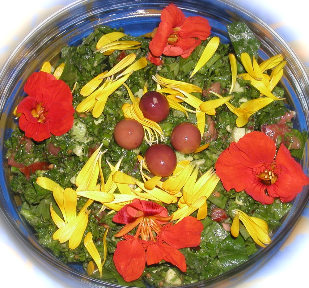 Flower garnished salad