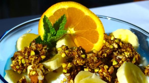 Fresh Fruit Salad with Granola